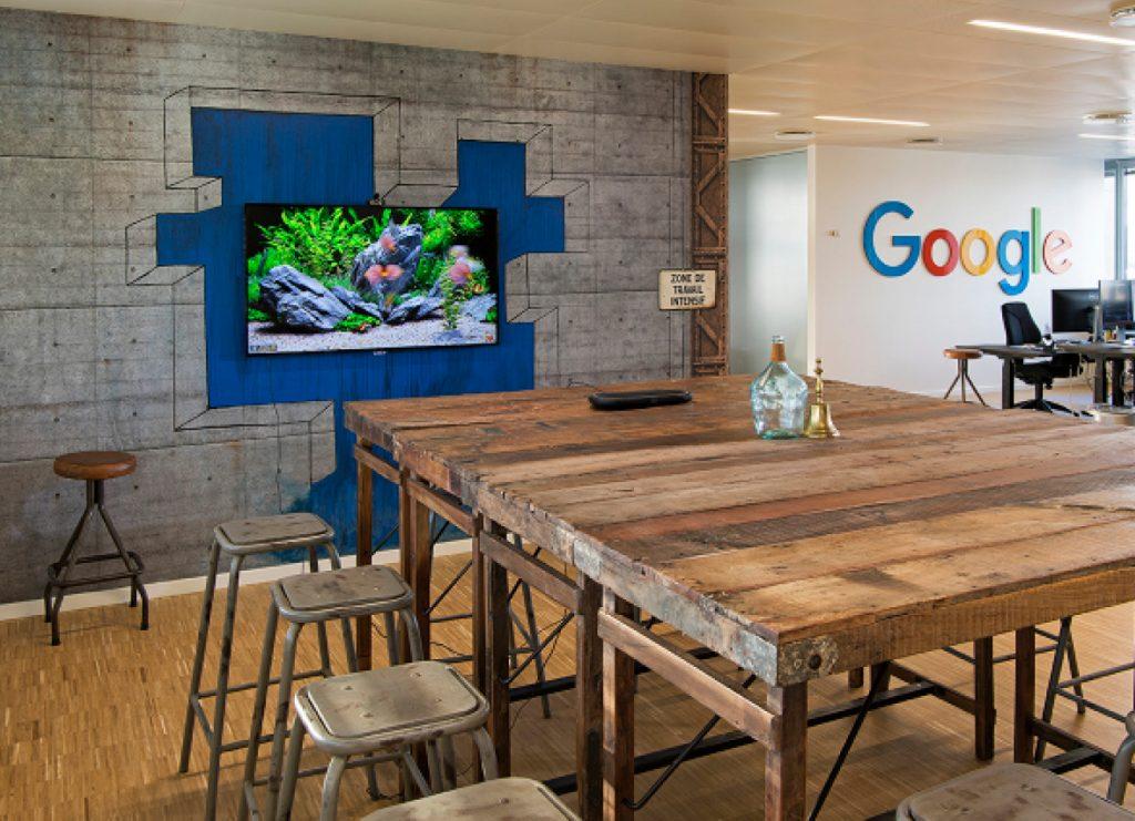 Indretning af kontordomicil for Maps People. En Googlevirksomhed.